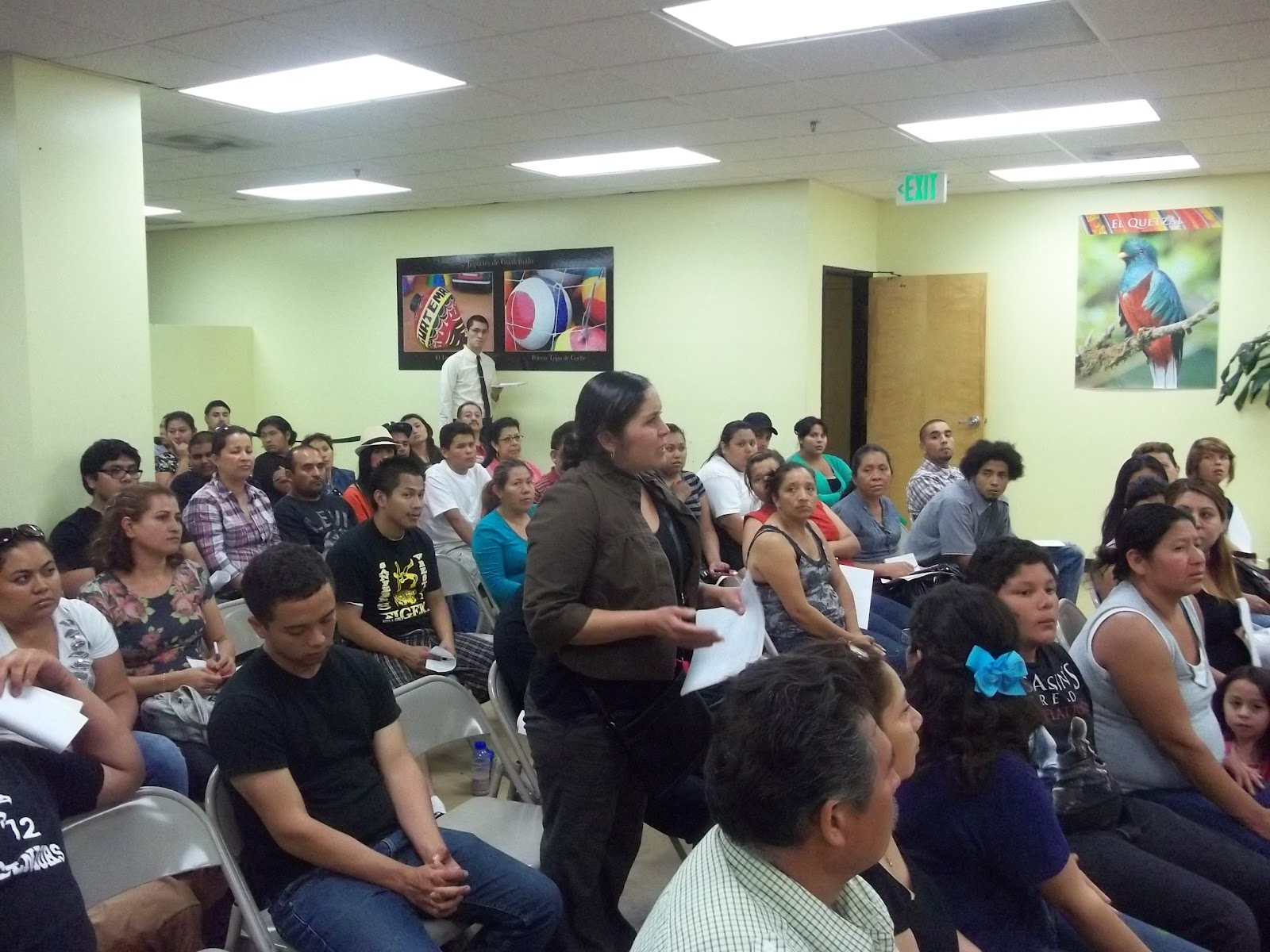 Taller informativo para solicitantes al DACA celebrado hace dos años en el Consulado de Guatemala en Los Ángeles. Se tienen programadas actividades similares en las próximas semanas. Fotografía: archivo
