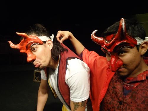 """""""El regalo perfecto"""", obra infantil presentándose en el teatro Frida Kahlo. Foto, La Voz, cortesía Manuel Chitay."""