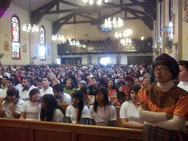 Misa en honor al Señor de Esquipulas celebrada en Enero de 2012 en la Iglesia del Espíritu Santo en Los Ángeles, California. Fotografía: La Voz