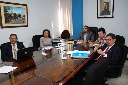 Líderes estadounidenses en pro de la reforma migratoria visitaron la Sede del PARLACEN en Guatemala. Fotografía: LA VOZ. Parlamento Centroamericano