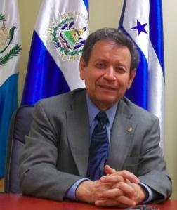 Julio Villaseñor, Asesor Titular de CONAMIGUA en Los Ángeles. Fotografía: LA VOZ