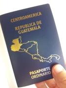 Golpe a inmigrantes guatemaltecos. Migración anuncia que ahora deberán esperar hasta seis meses para obtener sus pasaportes. Fotografía: LA VOZ