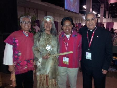 Organizadores de la Primera Misa Maya celebrada durante el Congreso de Educación Religiosa. FOTOGRAFÍA: LA VOZ