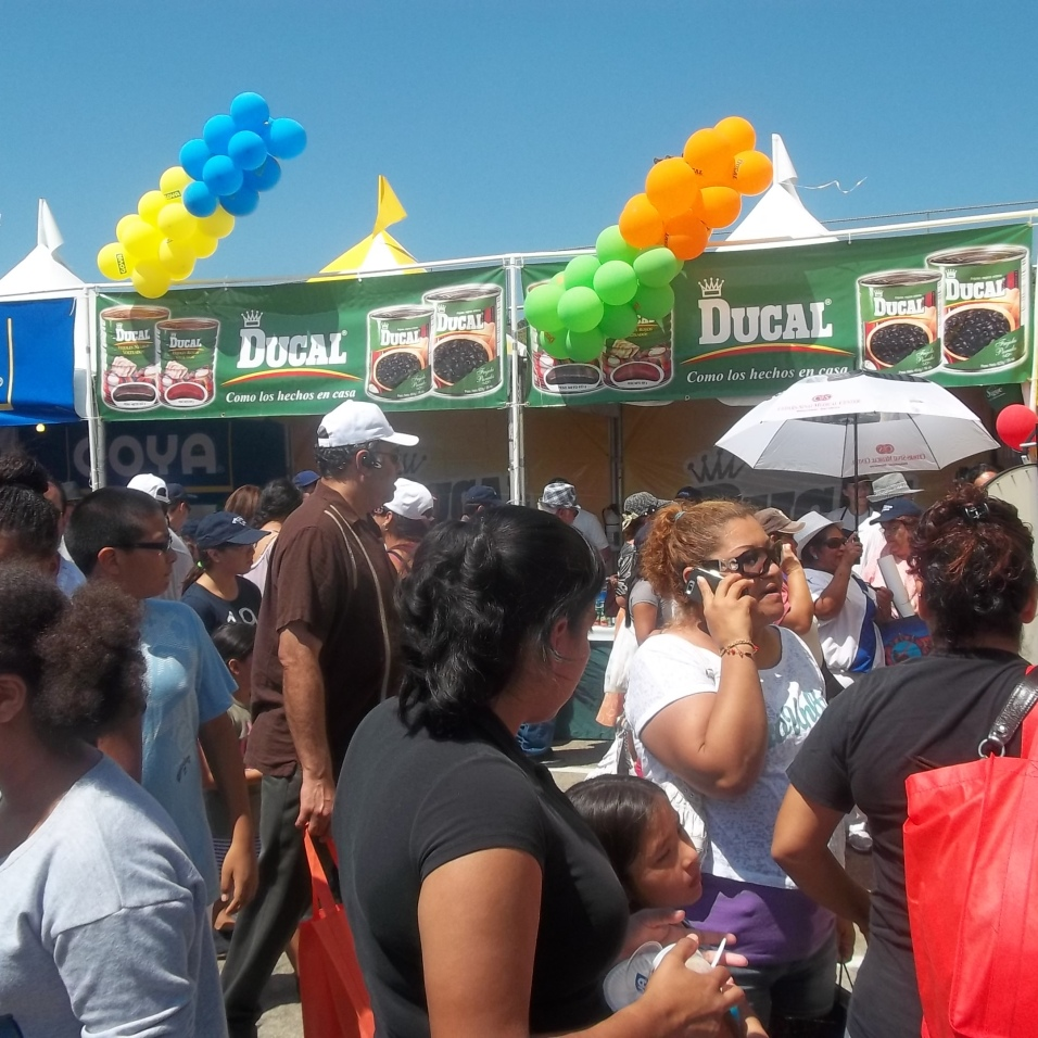 Visitantes recorren las instalaciones de la pasada Feria Chapina. FOTOGRAFÍA: LA VOZ-archivo
