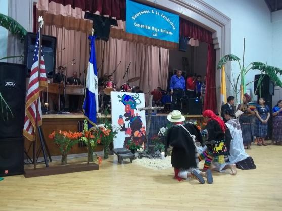 """Miembros de la agrupación """"Eterna Juventud"""" durante su participación en la celebración del Día de la Cruz en Los Ángeles, California. FOTOGRAFÍA: LA VOZ"""