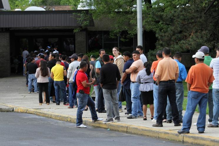 Arriba de 600 guatemaltecos acudieron a solicitar diferentes servicios al consulado móvil realizado el pasado sábado en Spring Valley, Nueva York. Fotografía: La Voz-cortesía de Aurora Samperio