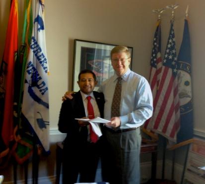 El Vicepresidente de CONGUATE, Marvin Otzoy, durante la reunión de trabajo sostenida con el Congresista republicano por Nevada, Mark Amodei. Fotografía: La voz-cortesía de Marvin