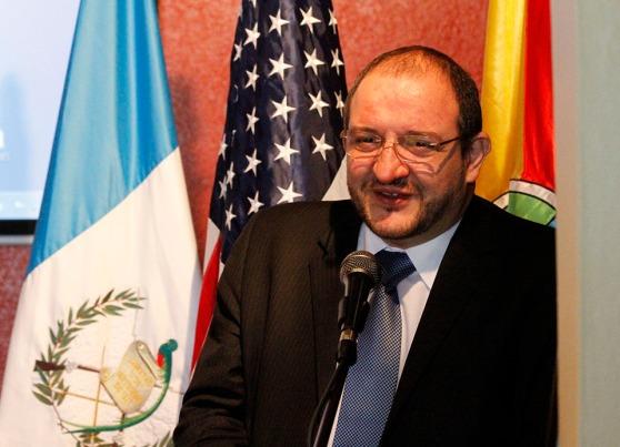 El Canciller guatemalteco Fernando Carrera participó recientemente en la inauguración de la Semana del Guatemalteco en Los Ángeles, California. Fotografía: La Voz-Cortesía de Aurora Samperio/Consulado de Guatemala en Los Ángeles.