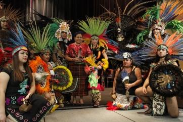 La guatemalteca fue recibida por miembros de grupos de nativos americanos y danzantes aztecas. Fotografía: Cortesía de AURORA SAMPERIO