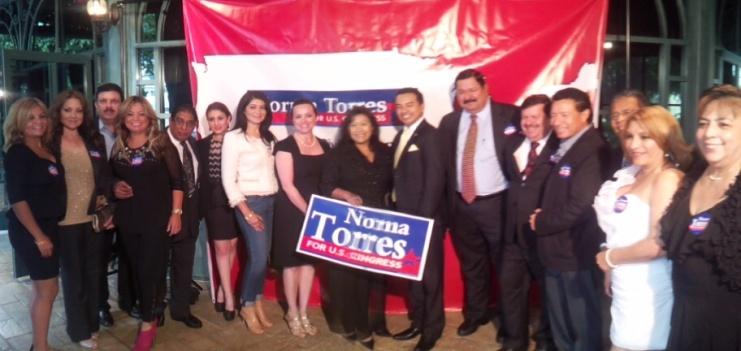 Autoridades diplomáticas guatemaltecas y líderes comunitarios acompañaron a la Senadora Norma Torres.