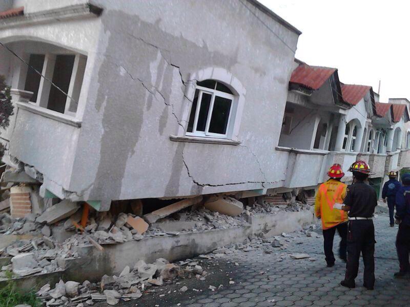 Se reportan daños en varias viviendas en San Marcos, Guatemala. Fotografía: Bomberos Voluntarios