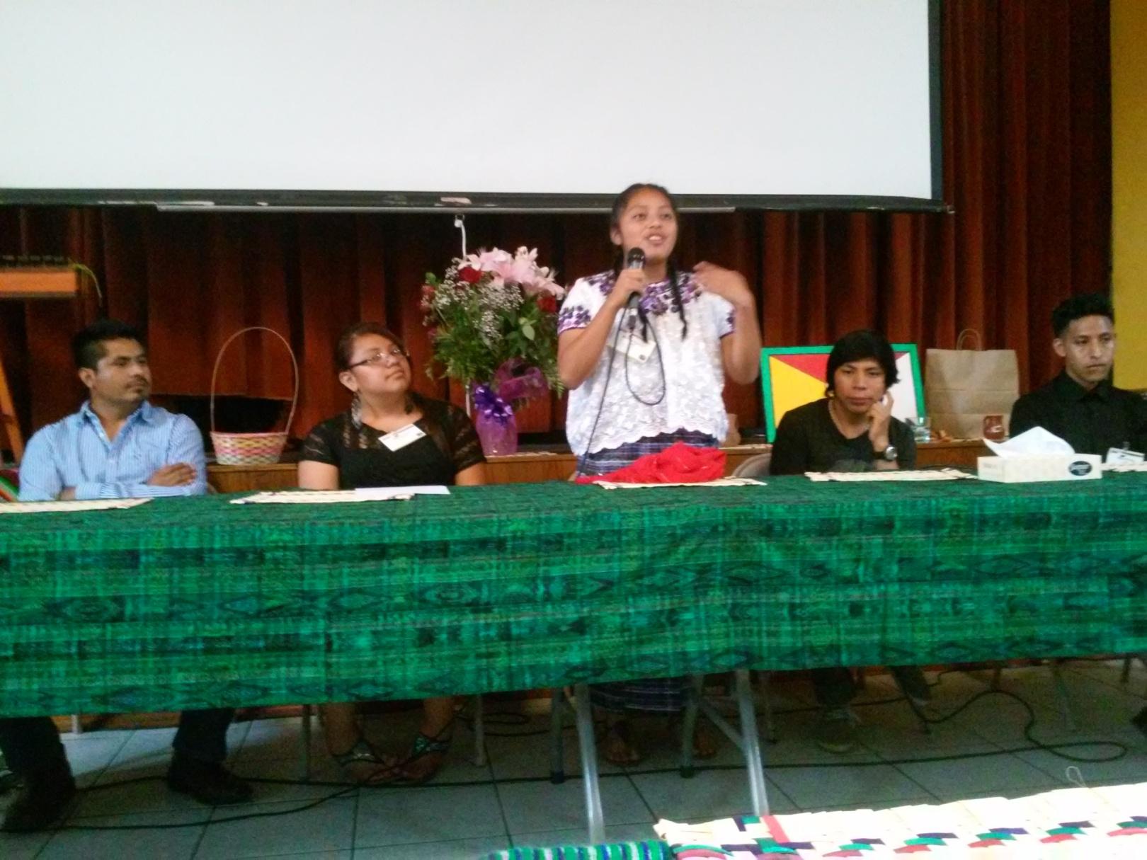 """""""Aunque nací acá, soy maya, soy guatemalteca"""", declaró con emoción Mariana. Fotografía: La Voz"""