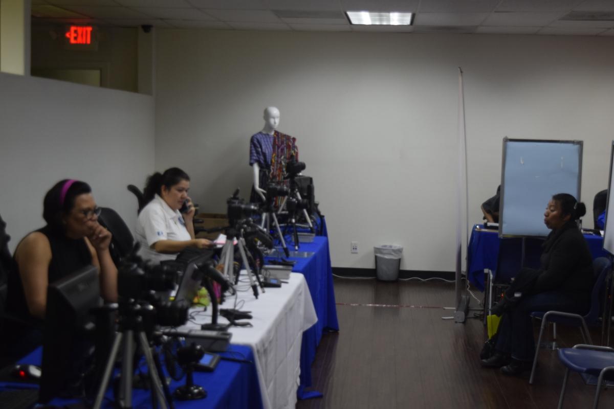Inmigrantes guatemaltecos tienen un año más para solicitar ...